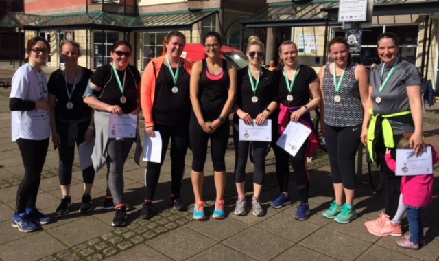 group photo of mums who have completed 5 k