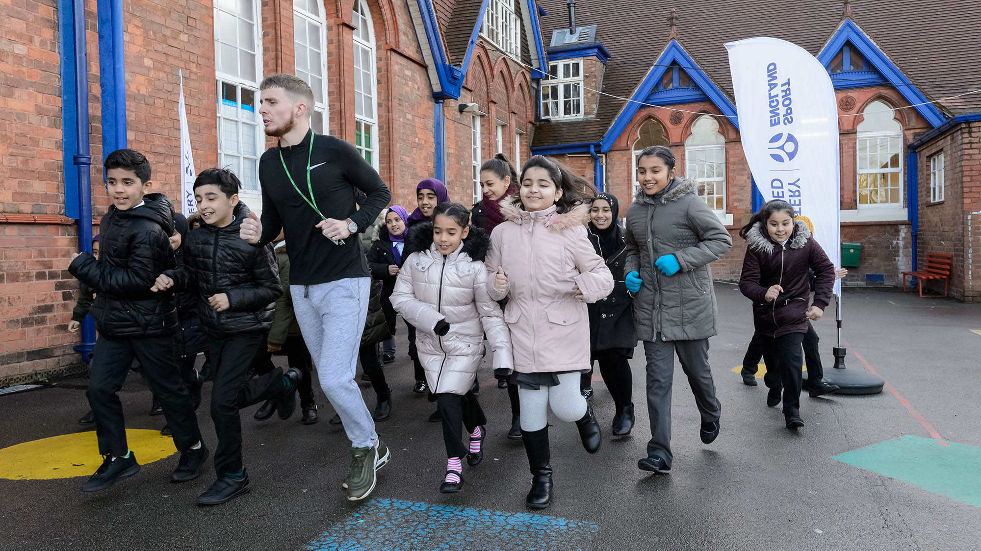 children taking part in daily mile