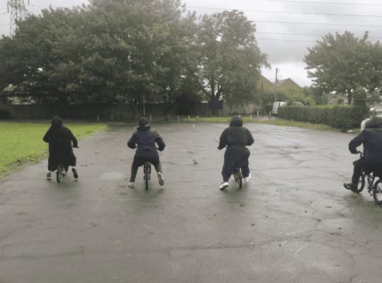 4 mums using balance bikes