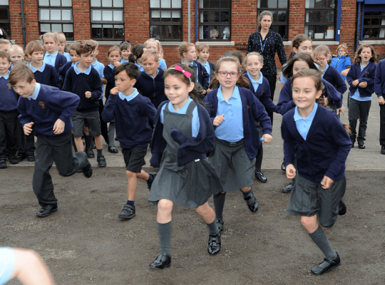 children running daily mile